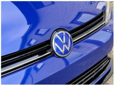 VW Golf 7 GTI, R, Front Facelift Emblem NEW LOOK LAPIZ Blue chrom für ACC